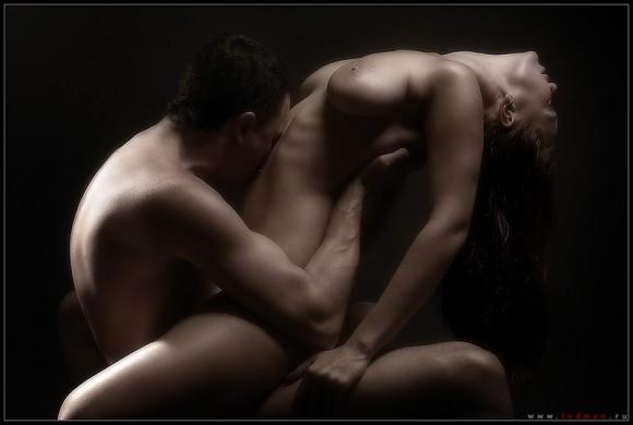 strastnie-eroticheskie-otkrovennie-stihi