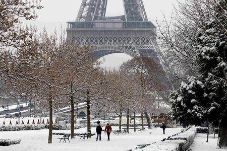 Покажите красивые фотки зимнего Парижа :)