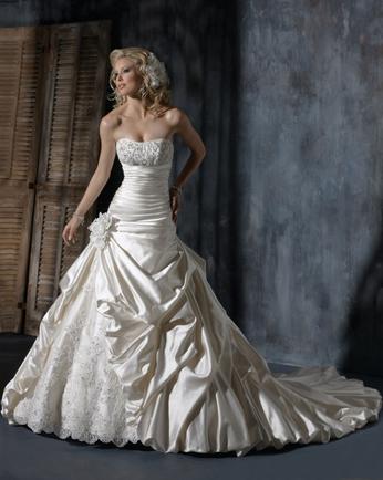 покажите самое красивое платье)