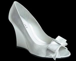 Свадебная обувь на танкетке