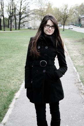 красивые девушки фото в очках брюнетки