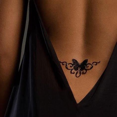 Маленькие татуировки для девушек поясница
