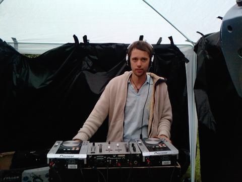 na foto Daniel Van Buxen, u4enik Armin Van buurera.in Ligo