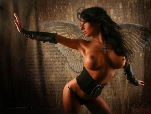 Ar ko Luciferu piesaistīja pirmā sieviete,Lilita,ka viņšto apņēma sev par sievu?