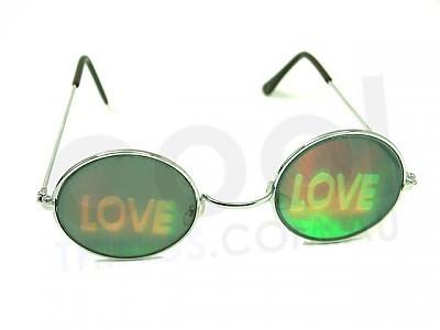 Mēdz runāt, ka mīlestība ir akla -> Pār kādiem cilvēkiem iet runa?