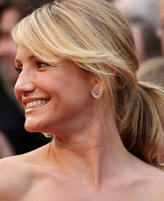 У кого из знаменитостей самая красивая улыбка?