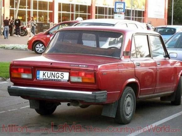 kādu dīvaināko numura zīmi esi redzējis auto/moto?