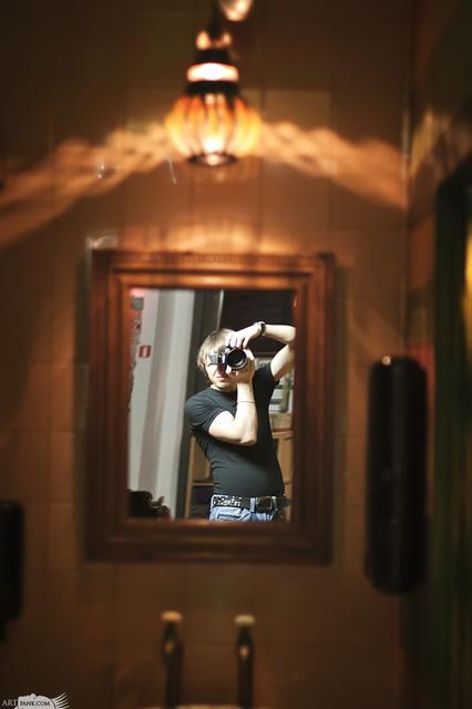 картина маслом | автопортрет в раме :D