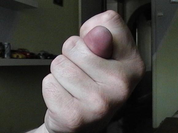 Член фото в руке момент