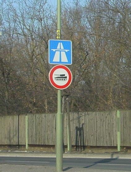 Kāda zīme(ceļa zīme, iepakojuma z. utt.) tev vairāk simpatizē?
