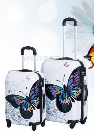 bbd7cf13c5ab Покажите красивый женский чемодан (на колесиках) для путешествий?