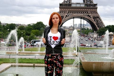 не могла не сделать уточку в Париже ))