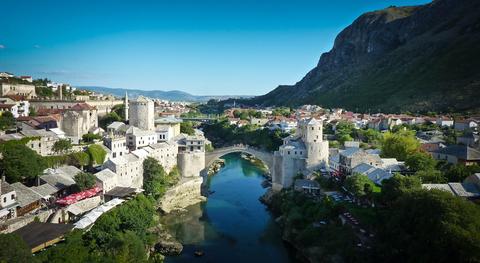 Покажите город, который стоит того чтобы его посетить?
