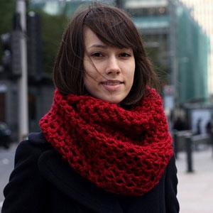 Покажите красивый шарф-хомут, связанный крючком?