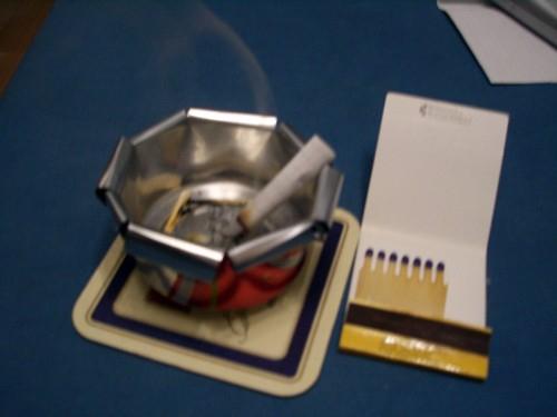 Как сделать пепельницу из банки своими руками