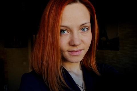 Доказательство, что всю красоту творит косметика))