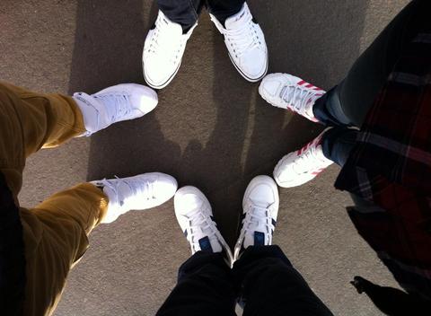 день белых кросс))))