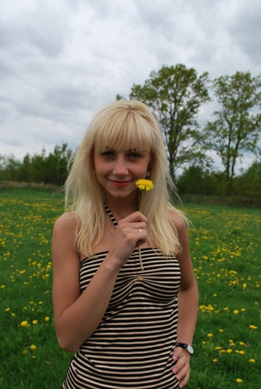 Блондинки или брюнетки? :)