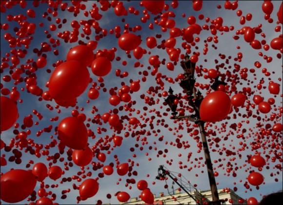 Покажете мне много воздушных шариков?