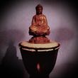 Ом на буддистском барабане.