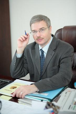 Какую первую картинку выдаст www.nigma.ru, если введёте в поиск Вашу фамилию ?