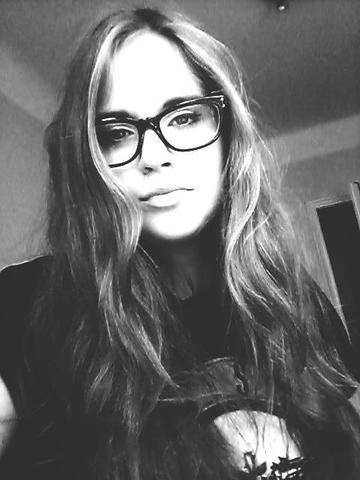 в очках выгляжу чуть умнее