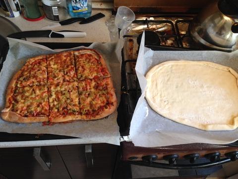 Я заразился Генным вирусом и решил сделать себе пиццы. )))