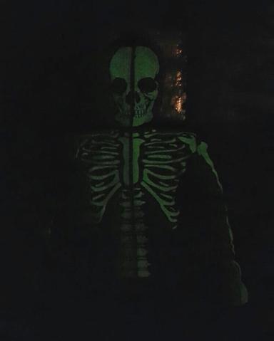 Толстовка которая светится в темноте :D