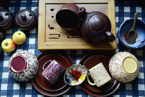 Покажите столовую посуду, которой Вы бы могли бы пользоваться всю жизнь и она бы Вам не надоела?