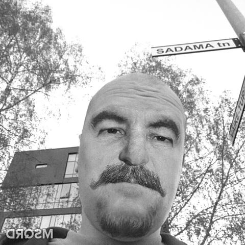 Я на улице Садама с литсом Сталина (потому что могу)