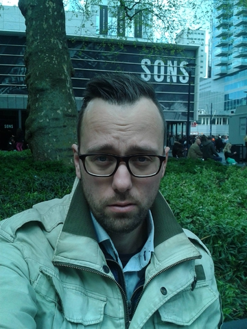 10 let zhizni v Rotterdame. Who Cares?