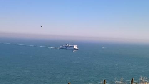 Кораблик на голубом.