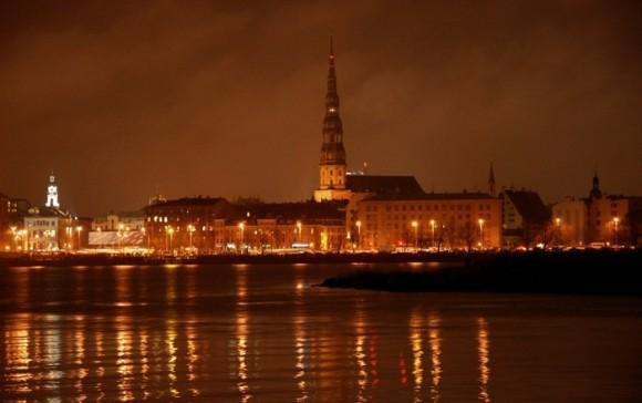 Покажите красивое фото ночной риги