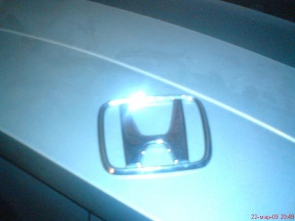 Покажите значёк Хонда? Желательно во льду?