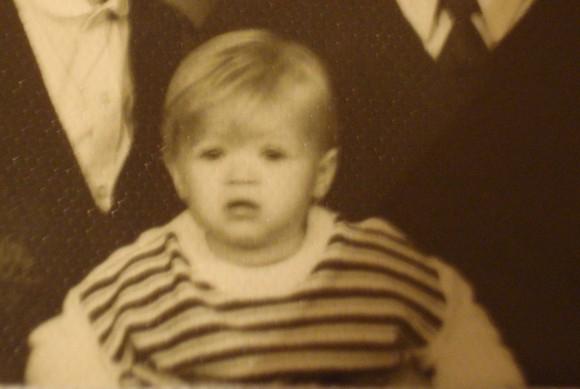А у тебя есть твоя фотография в раннем детстве?