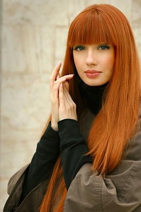 Красивый темно рыжий цвет волос